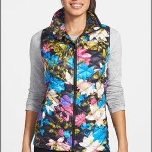 The North Face Women's Floral Thermoball Vest EUC